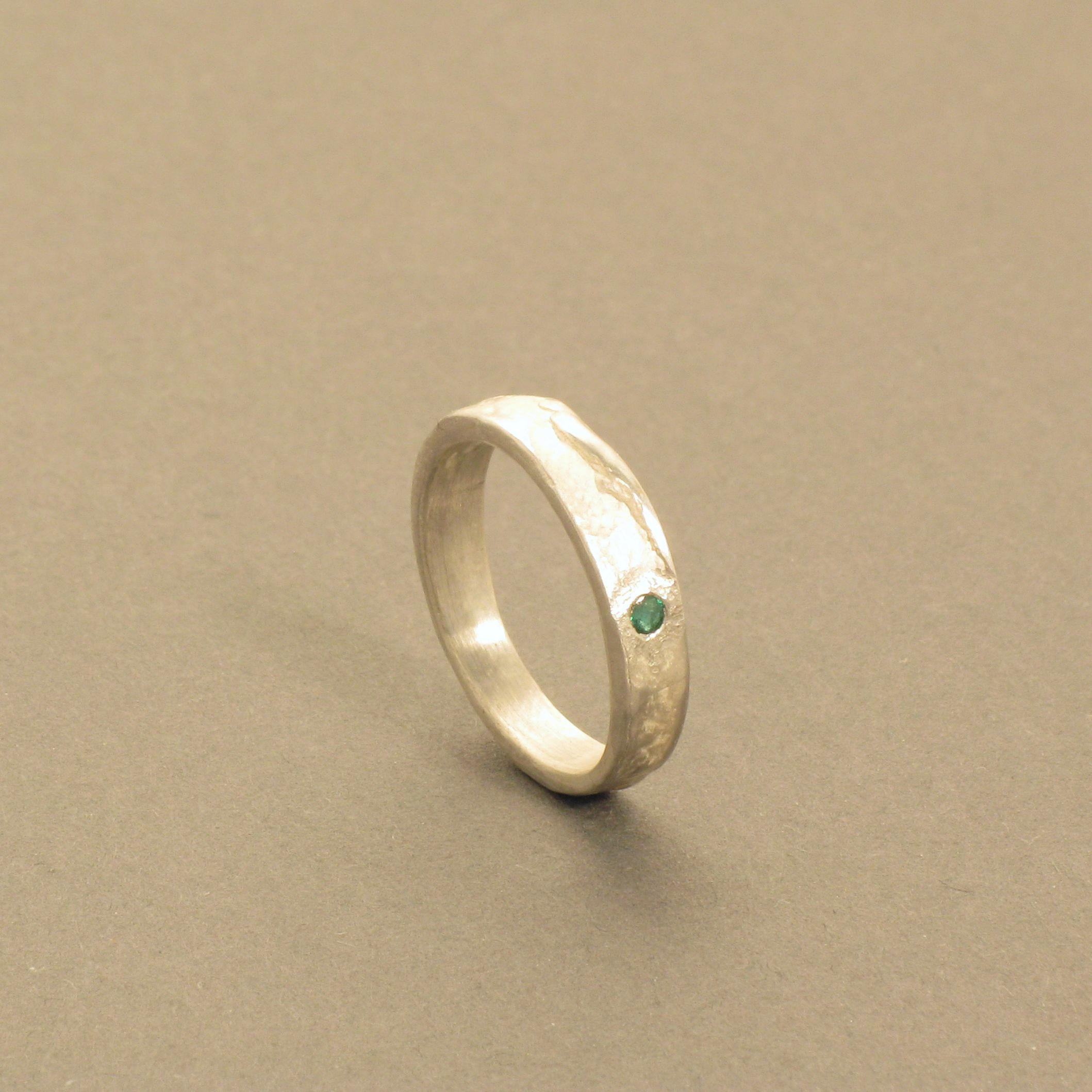 Silberring mit Smaragd