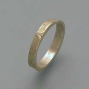 ring casted in fair-trade-gold